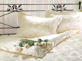 правильный уход за шелковым постельным бельем: все вопросы стирки