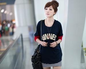 025991d537943 Мода на длинные футболки. С чем носить длинную футболку? - NameWoman