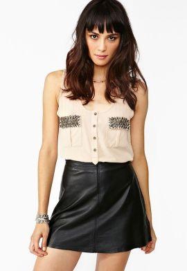 короткая кожаная юбка: с чем носить