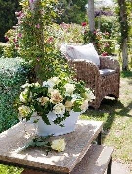 плетеная оригинальная садовая мебель для дачи фото