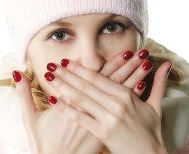 причины сухих губ, что делать