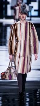 модные разноцветные шубы зима 2014 фото