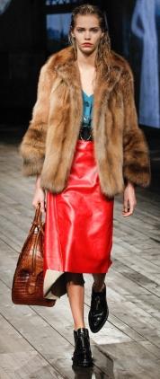 фото модных женских шуб из коллекций осень-зима 2013-2014