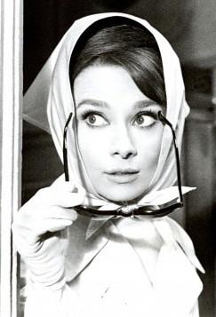 как носят платки на голове знаменитости