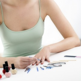 Коррекция ногтей и уход за ногтями после наращивания