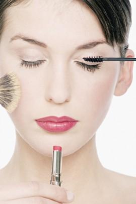 О декоративной косметике