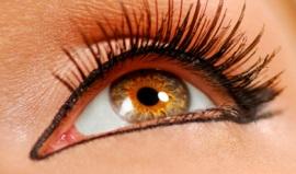 Перманентный макияж глаз: основные преимущества и варианты