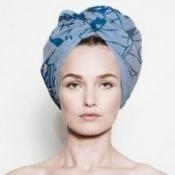 платок в форме тюрбана на голове