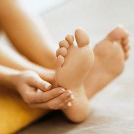 Правила для усталых ног и массажная ванночка для ног