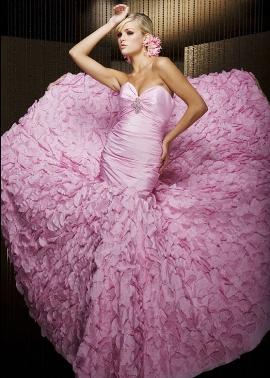 Цвет свадебного платья мечты – главный тест характера невесты