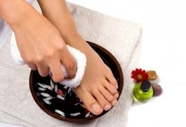 Укрепление ногтей на ногах: домашние рецепты и биогель в салоне красоты